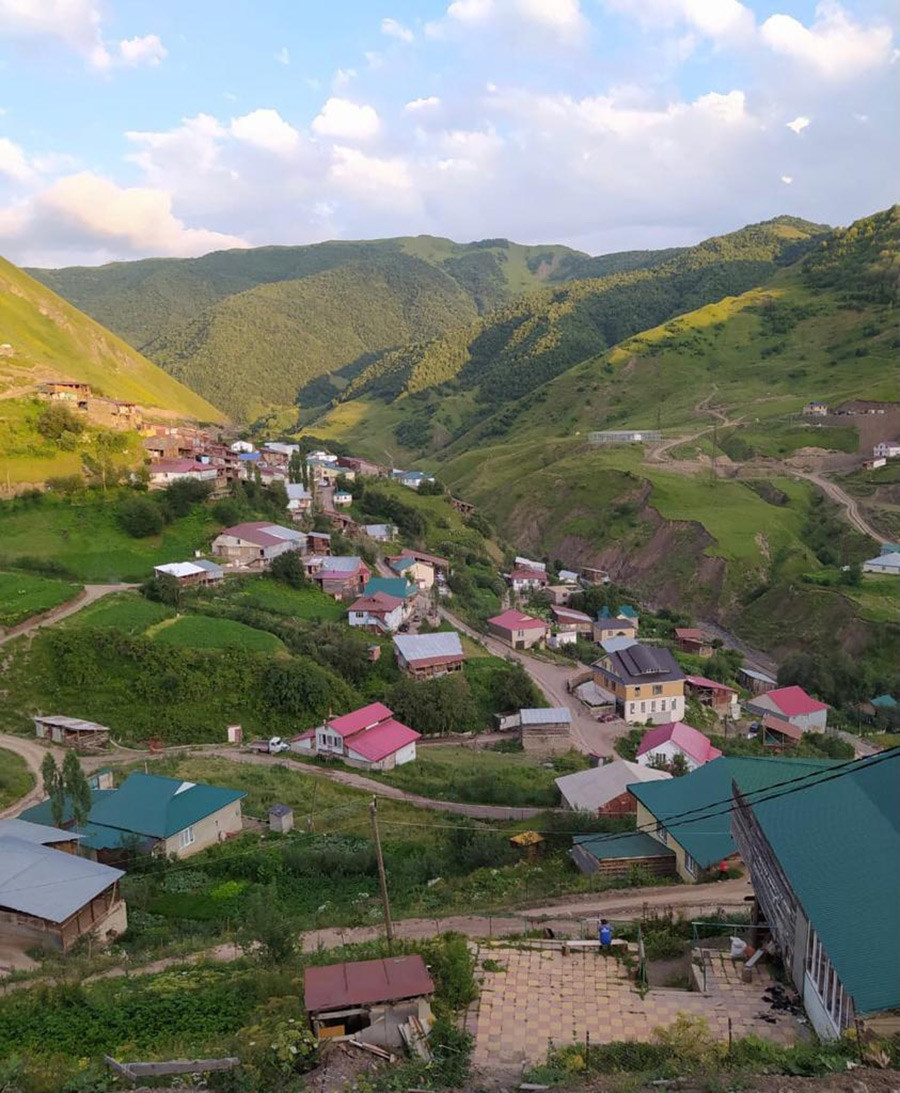 The village of Hinuq.