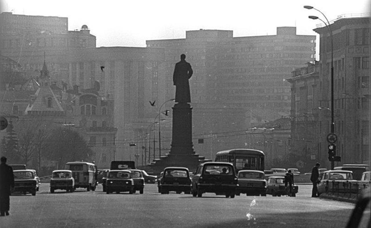 Place Dzerjinski (aujourd'hui Loubianskaïa), années 1970