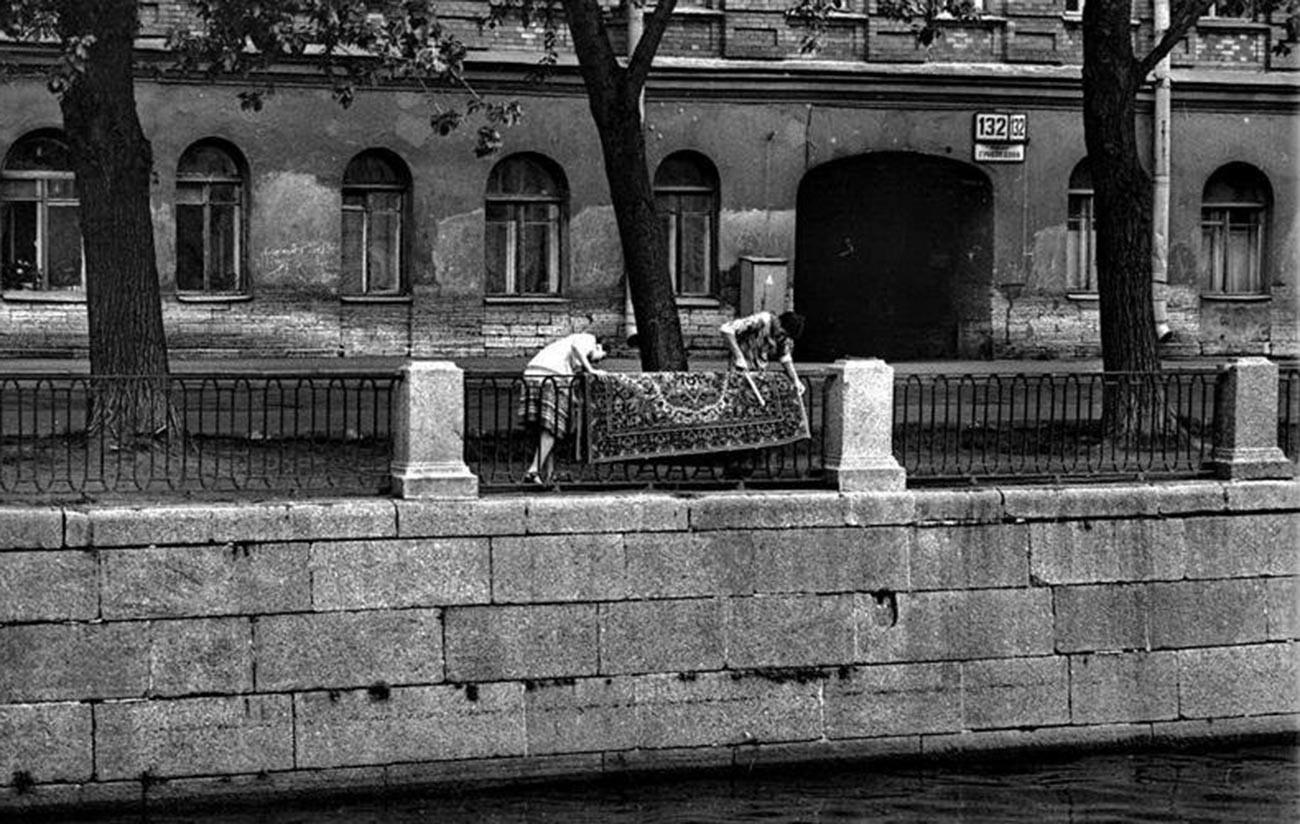夏のグリボエードフ運河、1986年