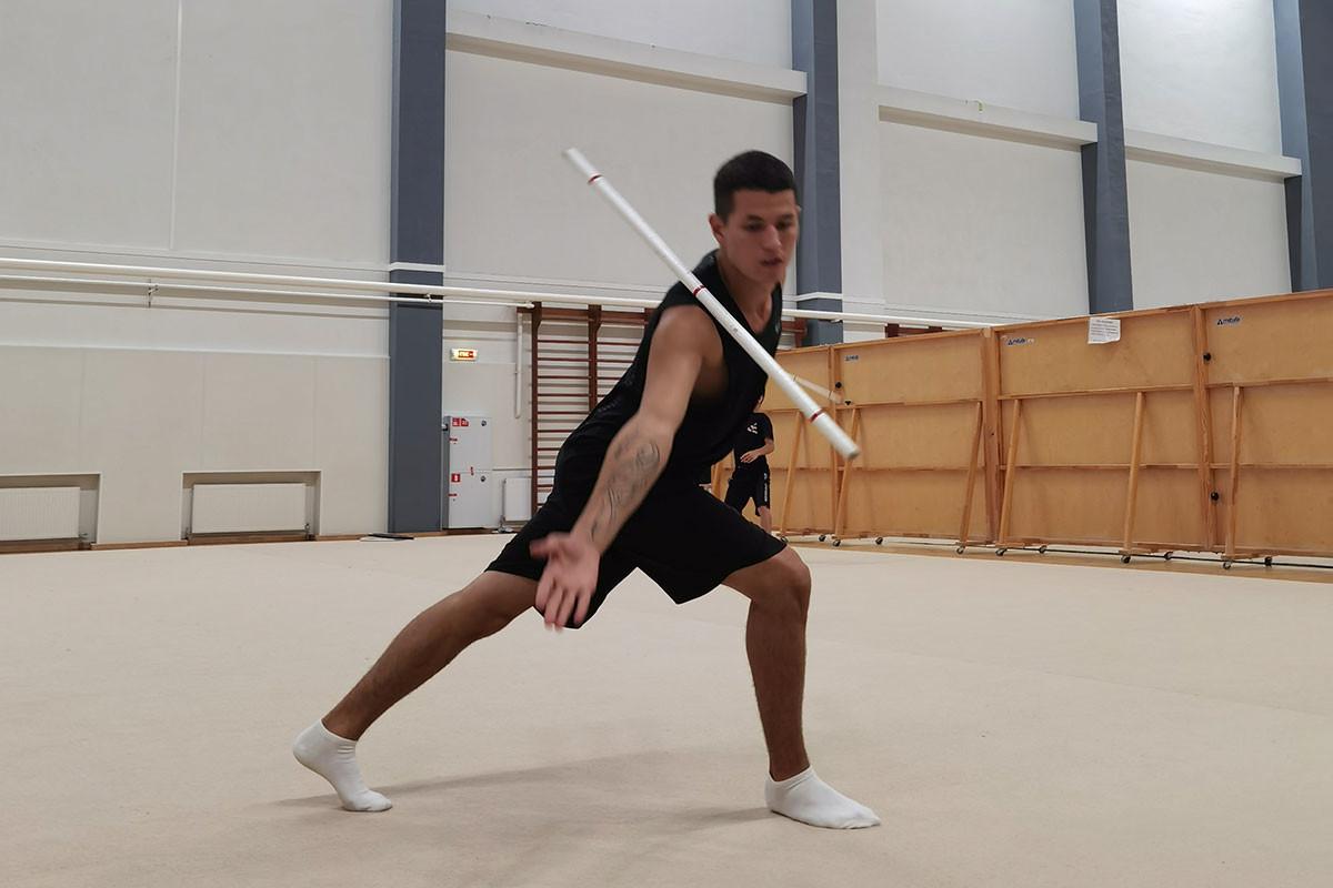 Занятия по художественной гимнастике в центре олимпийской чемпионки Юлии Барсуковой