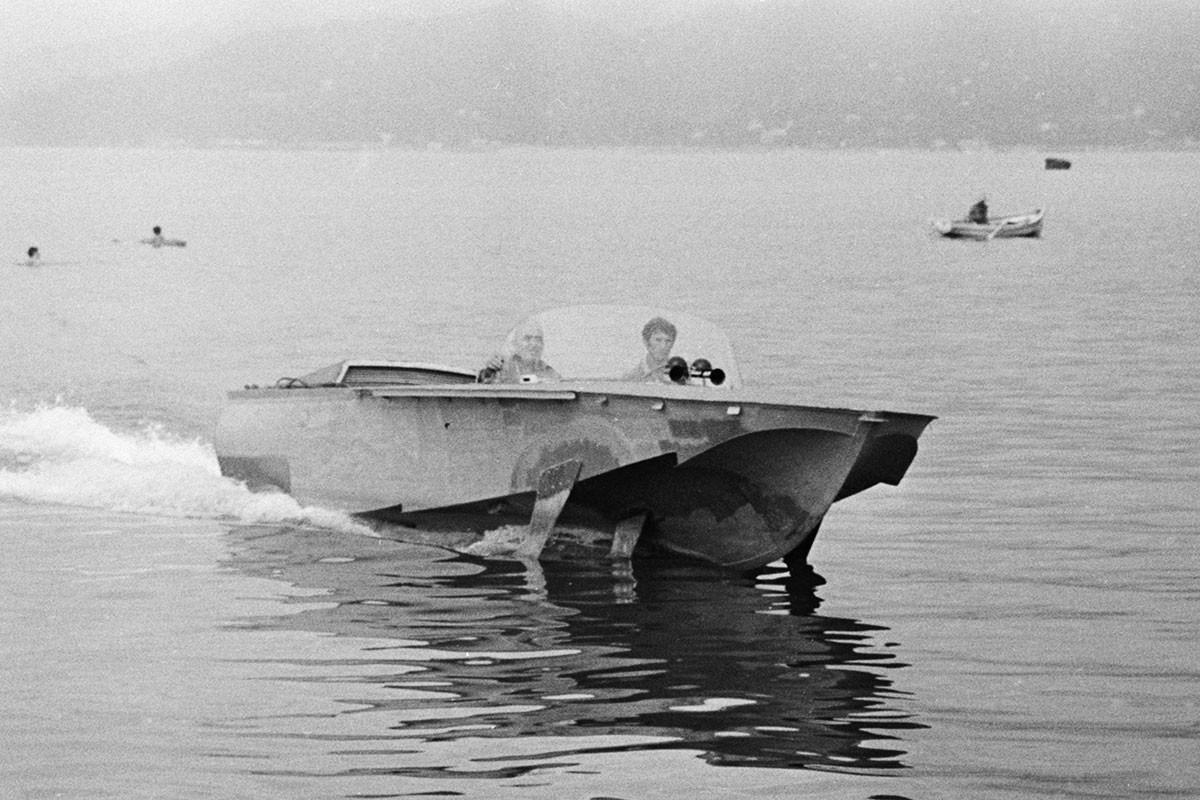 """Глисер """"Волга"""" са подводним крилима из Батумског бродоградилишта за време тестирања. СССР, Аџарска АССР, 11. септембар 1972."""