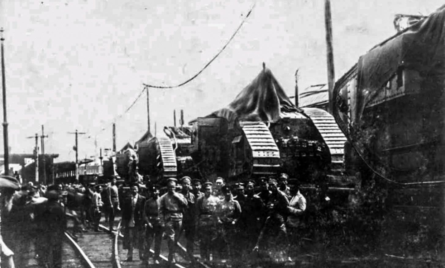 Британские танки в Царицыне.
