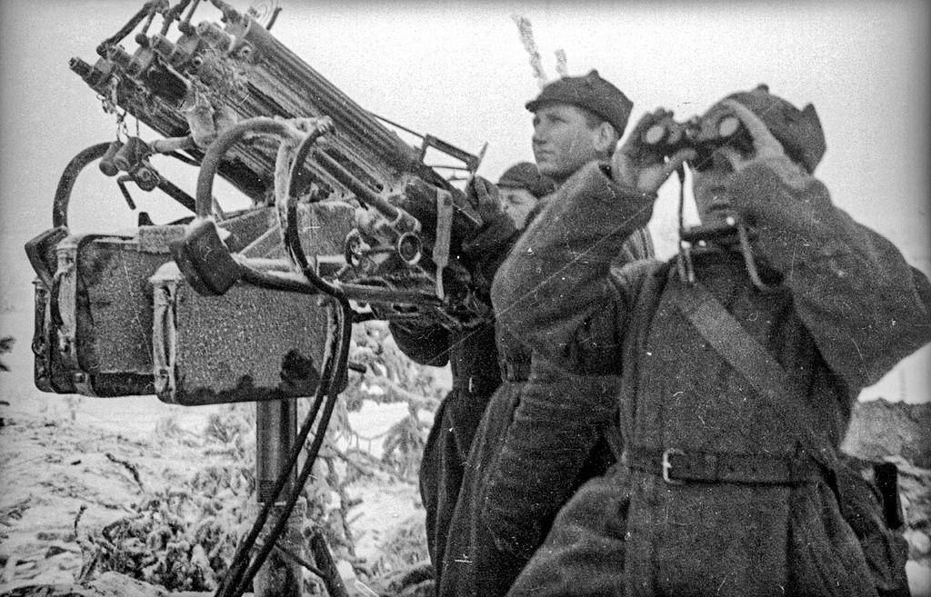 Красноармейцы в ходе Зимней войны.