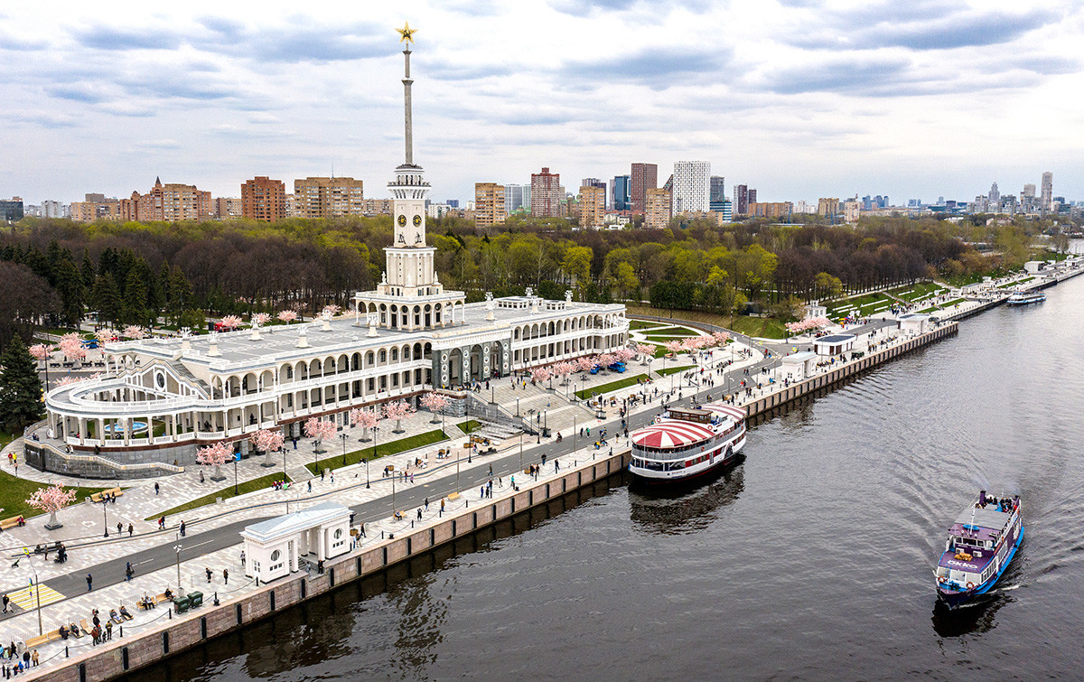 The North River Terminal (Severny Rechnoi Vokzal) on the Moscow Canal