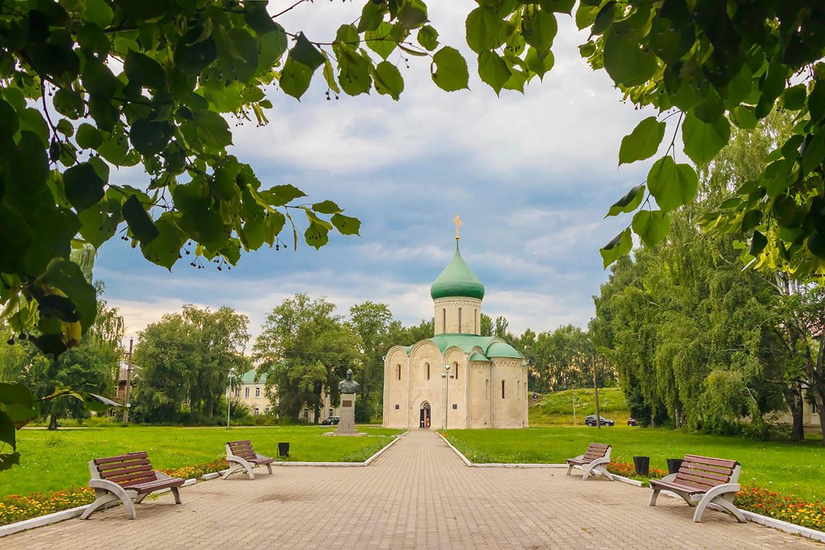 スパソ・プレオブラジェンスキー(救世主顕栄)大聖堂