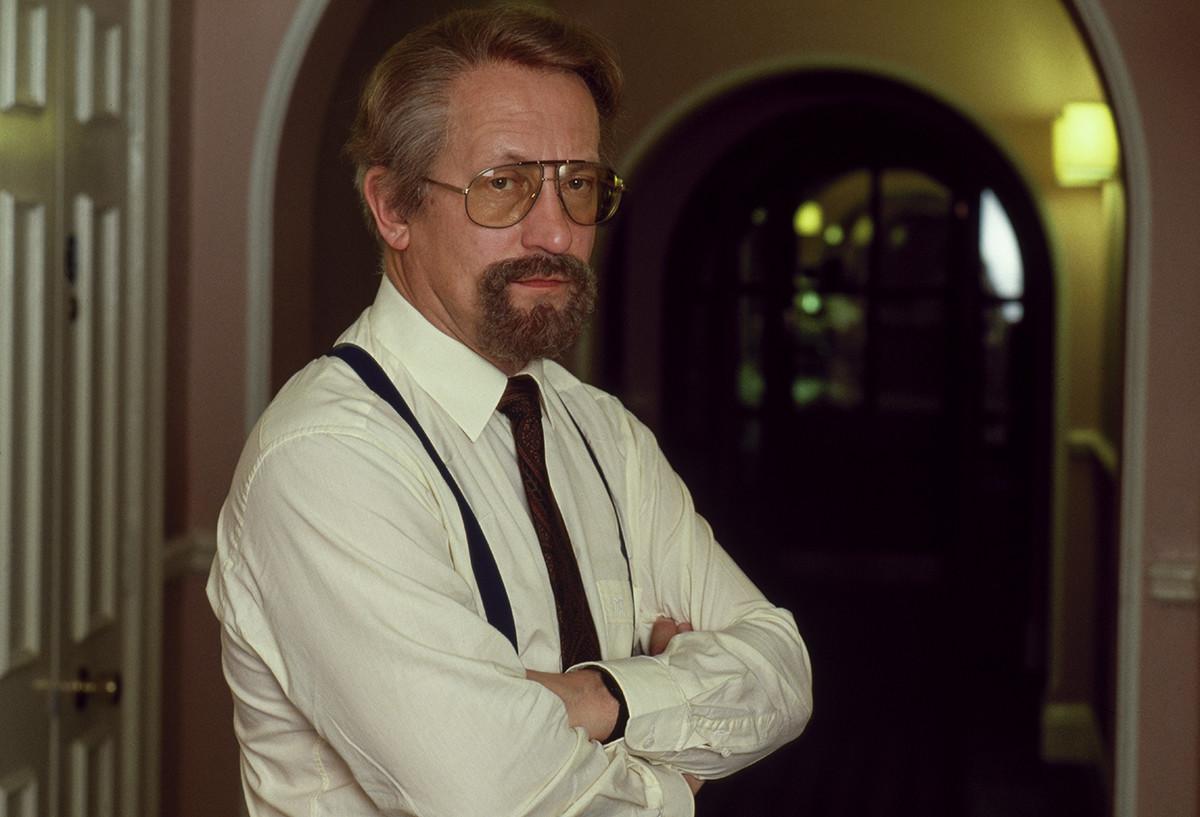 Олег Гордиевски, полковник от КГБ, станал британски шпионин, под прикритие в хотел
