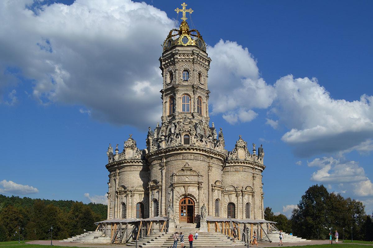 Znamenskaya Church in Dubrovitsy