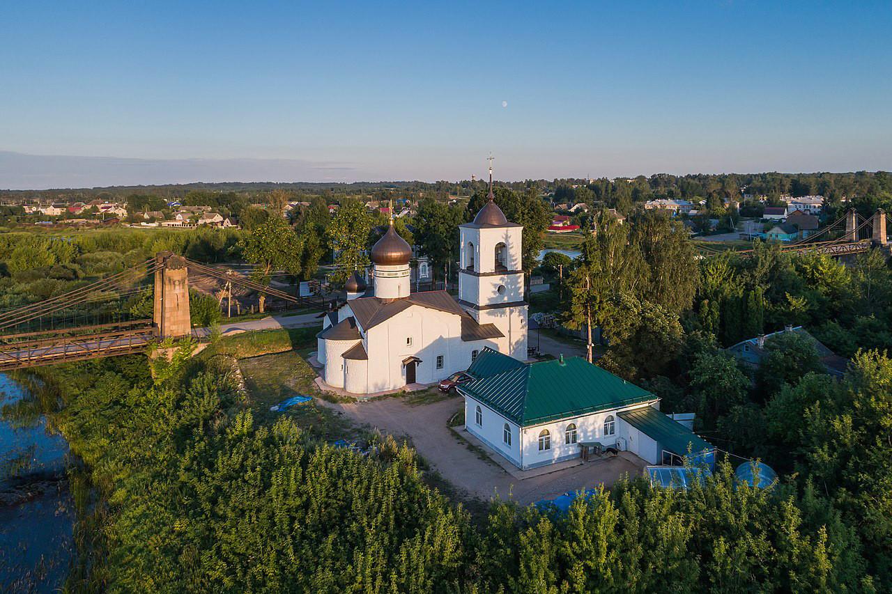 Церковь Святого Николая в городе Остров Псковской области