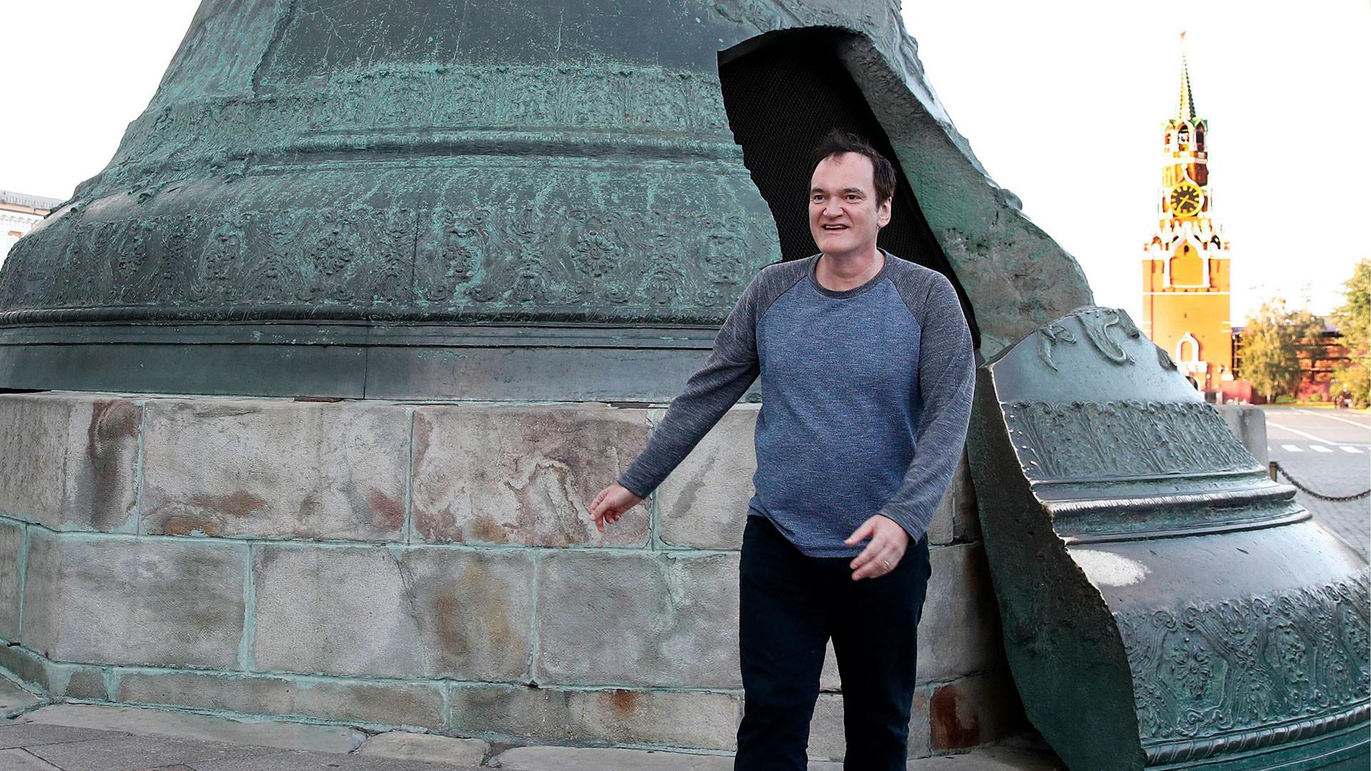 Tarantino near the Kremlin's Tsar Bell