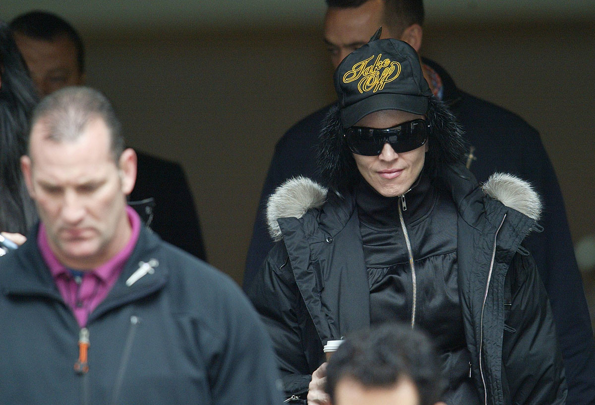 Madonna leaves her hotel in Moscow, 2006