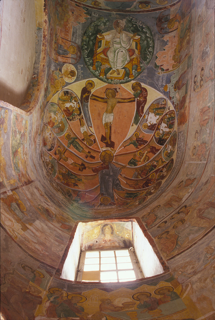 Cathedral of the Annunciation. Diaconicon (right part of apse). Ceiling fresco of Passions (martyrdom) of the Apostles, with Christ in the center and Christ crucified beneath image of Lord God Sabaoth. June 20, 2000