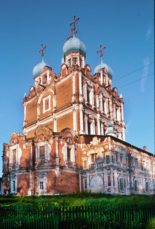 Solvychegodsk. Cathedral of the Presentation, northeast view. William Brumfield. June 26, 2000