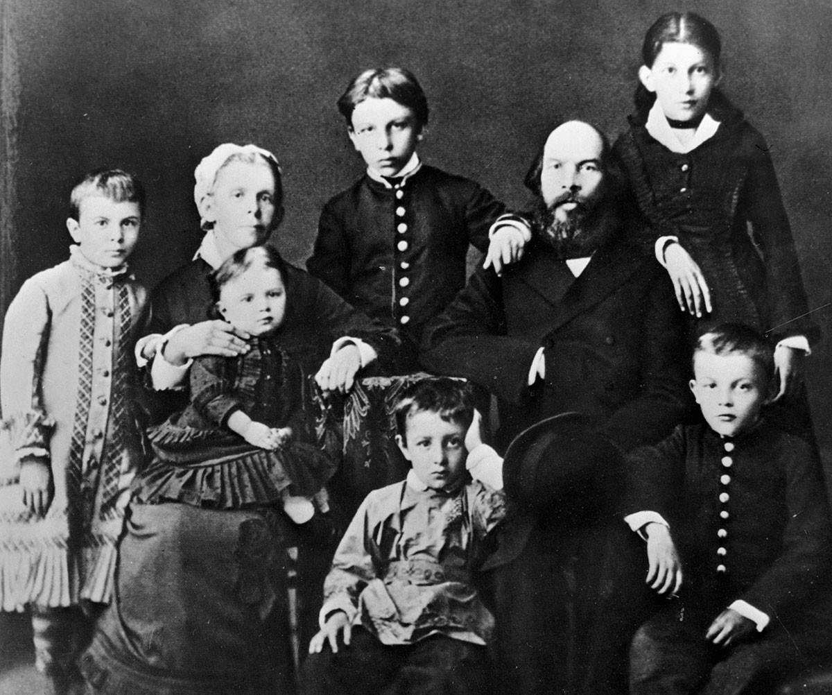 The Ulyanov family. Vladimir Lenin in right lower corner.