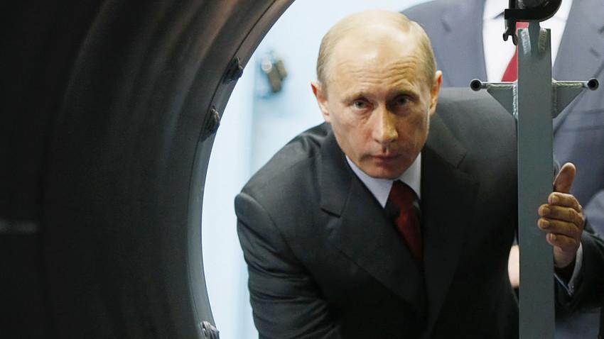 Vladimir Putin u posjetu kompleksu Almaz-Antej 2008. godine