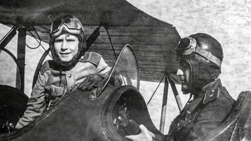 The YOUNGEST Soviet pilot in WWII (PHOTOS)