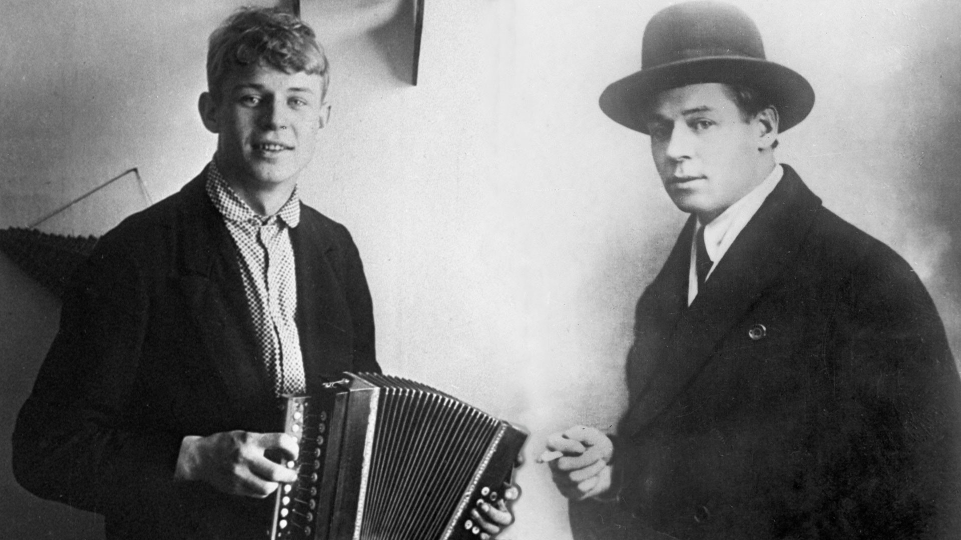Sergei Yesenin in 1916 (left) and in 1924