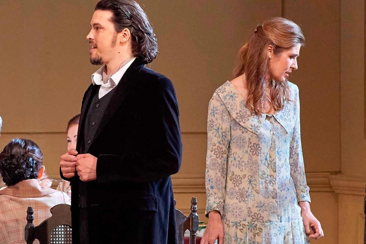 Andre Schuen as Onegin and Nicole Car as Tatyana.