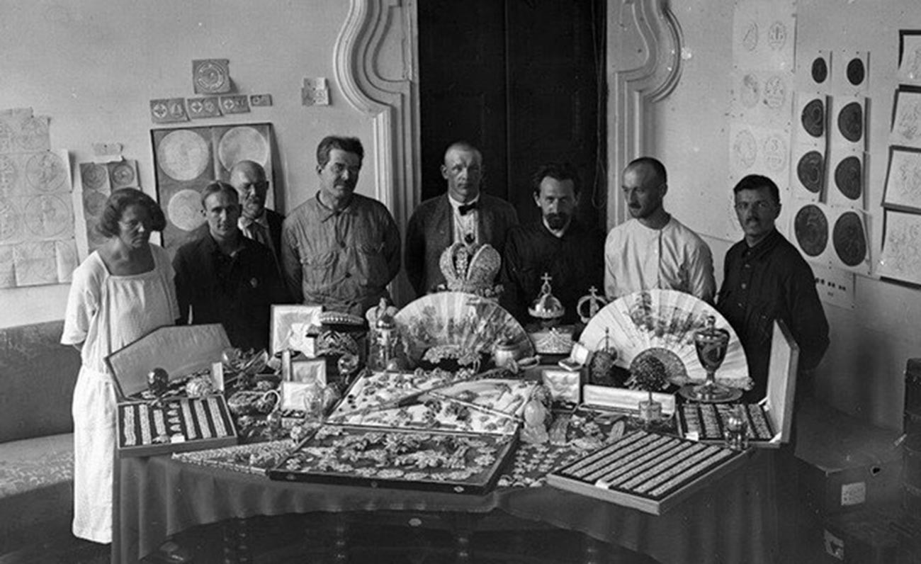 Employees of the State Administration for Precious Metals and Stones (Gokhran) with jewels of the Russian crown. Moscow. 1923