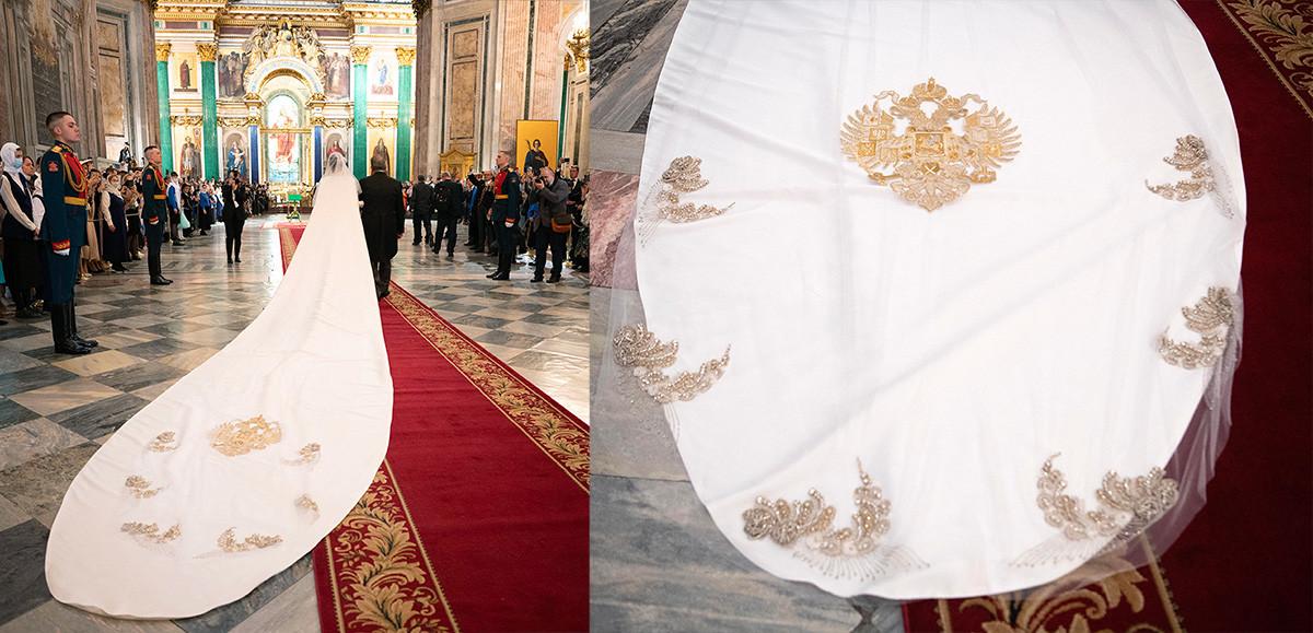 Il velo della sposa con l'emblema dell'Impero Russo trascinato sul pavimento