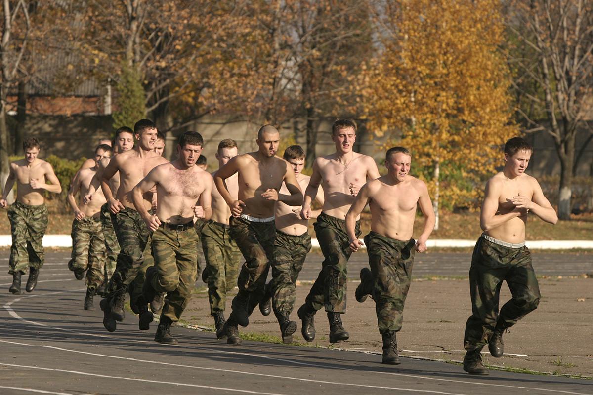 Fizično usposabljanje kadetov Golicinske vojaške fakultete za obmejne enote FSB