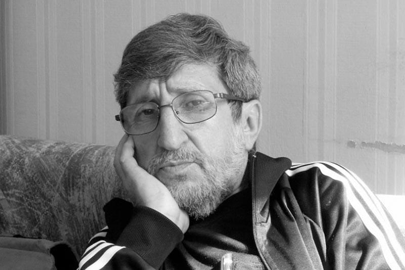 Заур Зугумов, в прошлом отбывавший тюремный срок за воровство, ныне – писатель.