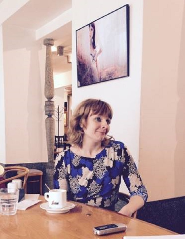 S Saro Špelec smo se pogovarjali v ljubljanski Kavarni NUK. Vir: Špela Bizjak