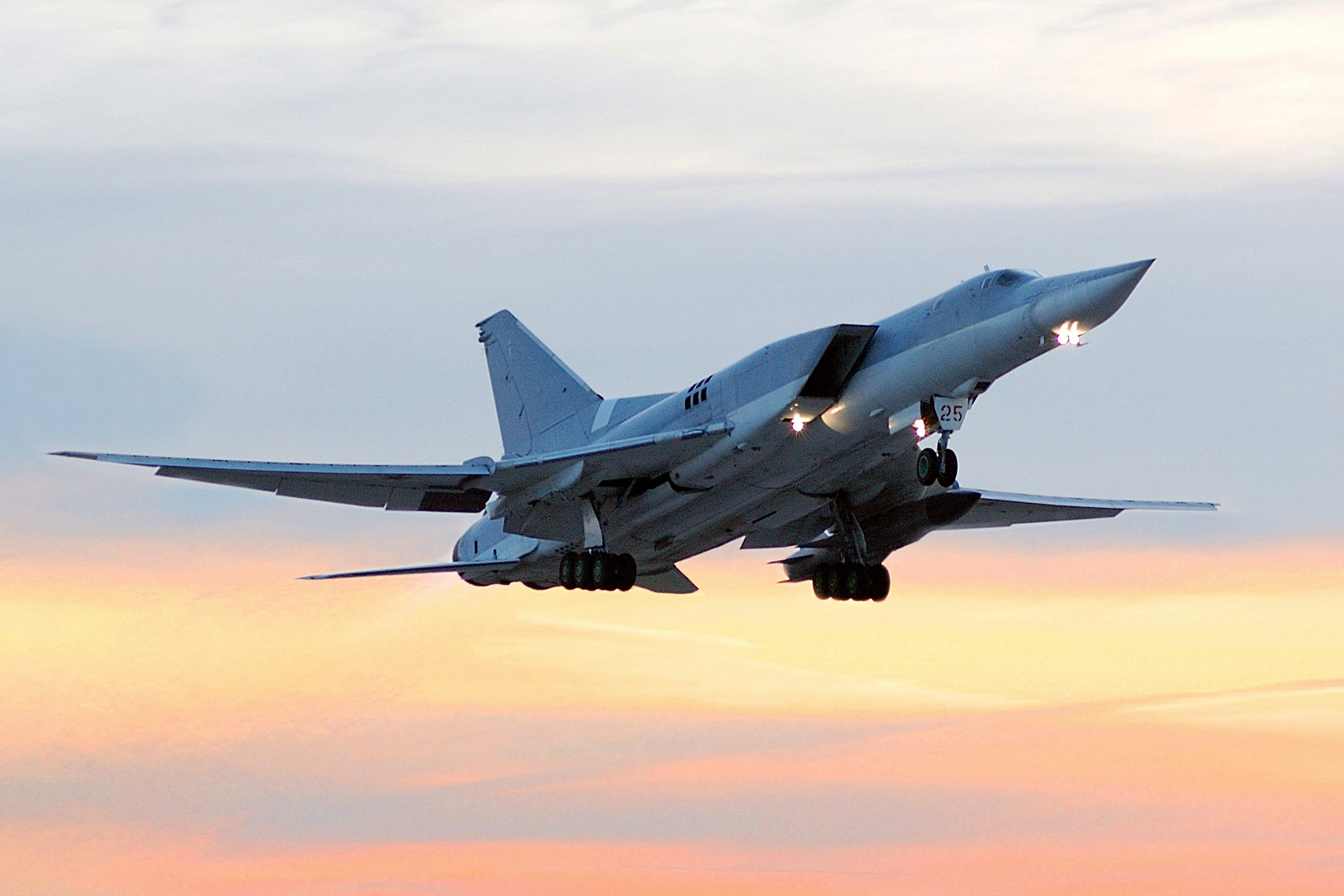 """Dez fatos sobre o TU-22, o """"assassino de porta-aviões"""" width="""