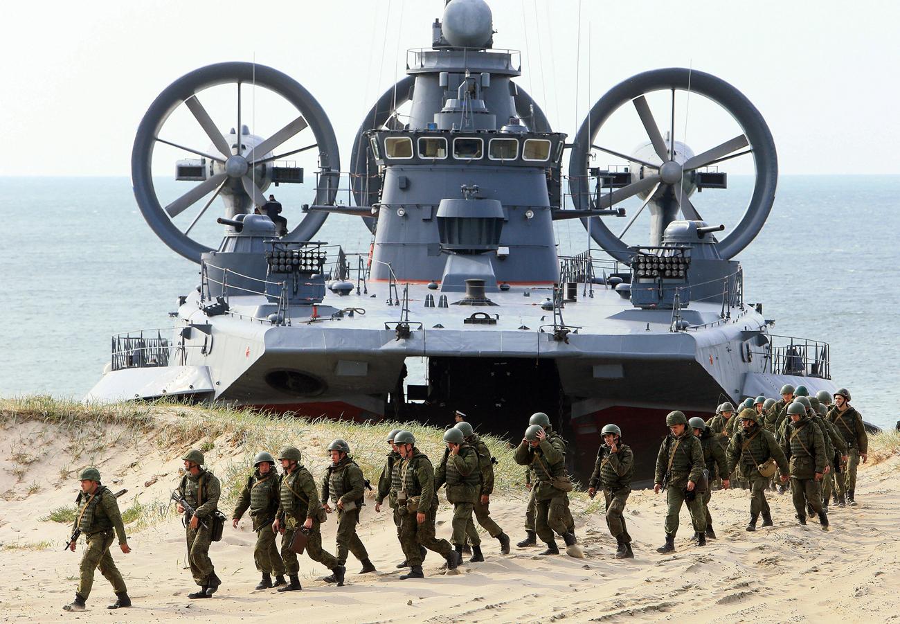 Mantan Panglima NATO Minta Rusia-AS Hentikan Kompetisi Militer Tak Sehat