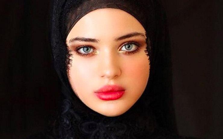 Dolce&Gabbana Dongkrak Popularitas Gadis Asal Chechnya Lewat Instagram