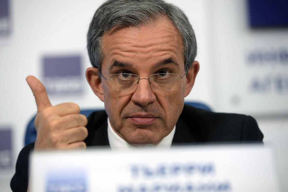 Parlamento francês apoia fim de sanções contra Rússia width=