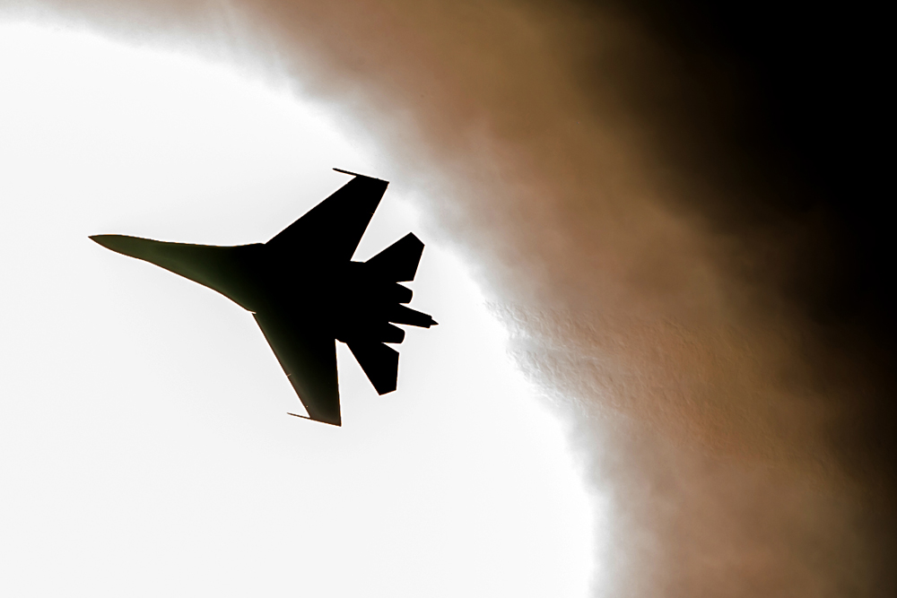 Media Amerika Laporkan Su-27 Cegat Pesawat RC-135 AS di Atas Laut Baltik
