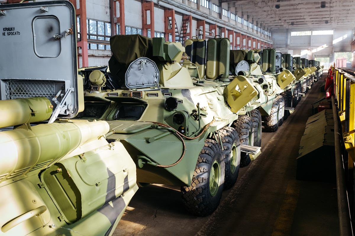 Indonesia Pertimbangkan Pembelian 50 Unit Kendaraan Lapis Baja BTR-80 Rusia