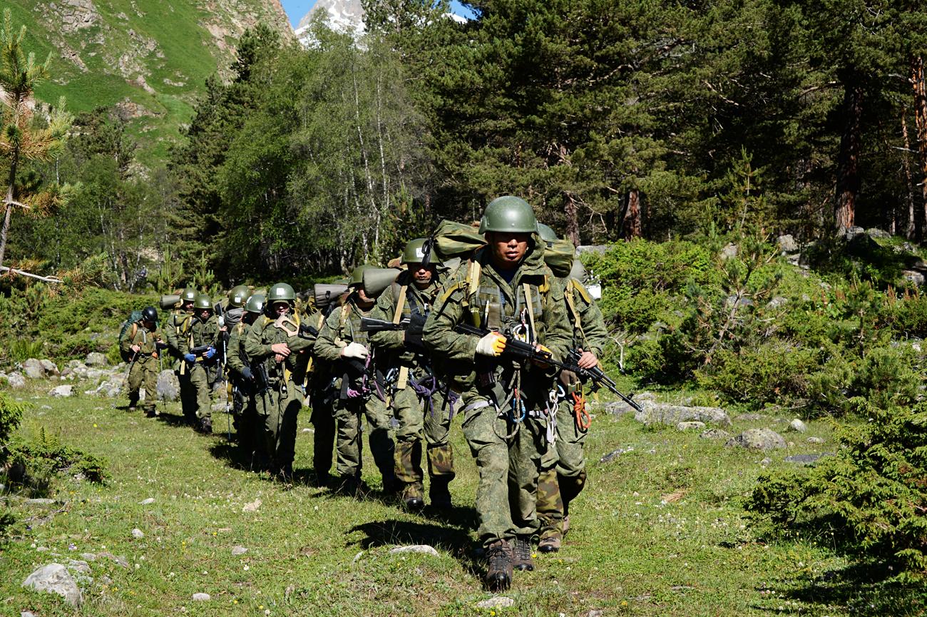 Mengapa Putin Menambah Jumlah Personel Angkatan Bersenjata Rusia?