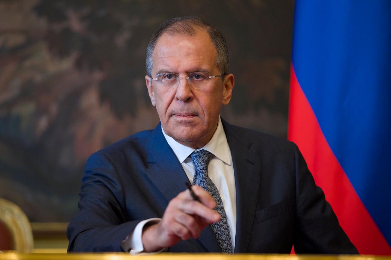 Chanceler russo dispara críticas contra governo Obama em coletiva width=