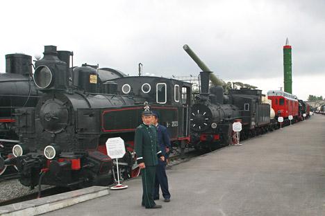 Tiga Kereta Tempur Rusia: Besar, Tangguh, dan Siap Melaju