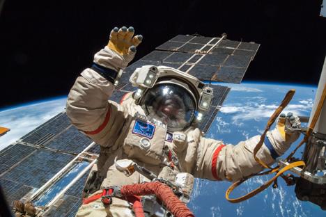 Mengapa Semua Astronot Harus Bisa Berbahasa Rusia?