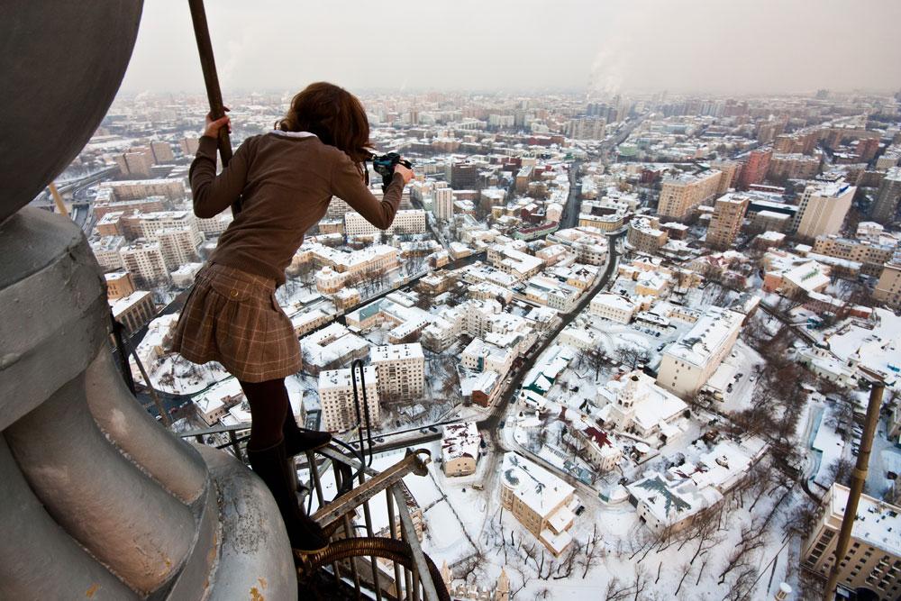 Hobi Ekstrem, Cara Orang Rusia Picu Adrenalin