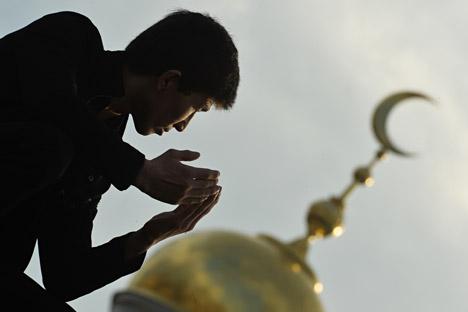 VIDEO: Kenapa Orang Rusia Memutuskan Memeluk Islam?