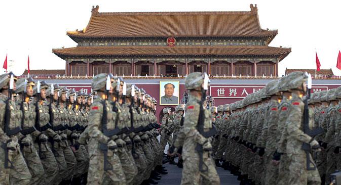 Reformasi Militer: Mengapa Tiongkok Akan Bertahan dengan Model Rusia?