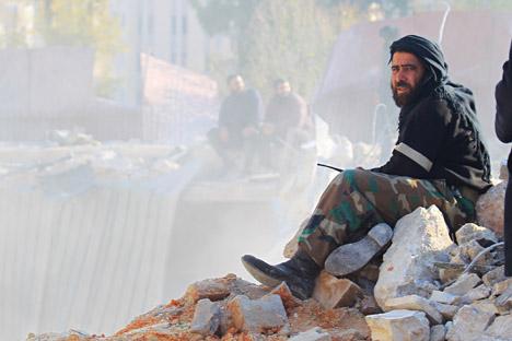 Ciptakan Zona Demiliterisasi, Tentara Suriah Tarik Peralatan Militer Berat