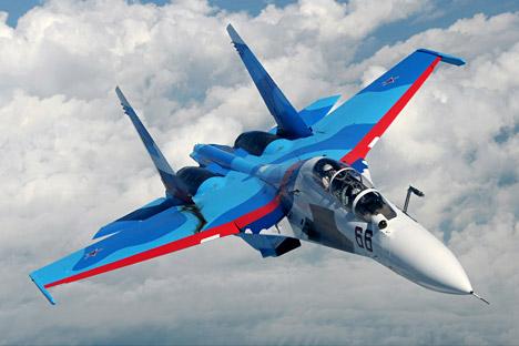 Venezuela anuncia compra de lote com 13 caças Su-30 width=
