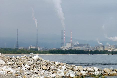 Baixa precipitação reduz drasticamente nível do Baikal width=