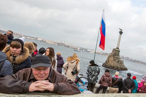 Reunifikasi Krimea: Ukraina Tak Bisa Minta Ganti Rugi pada Rusia