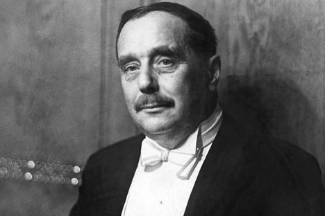 Flowers and Stalin: H.G. Wells in Russia