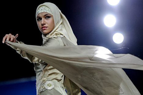 Perancang Busana Muslim Rusia: Perangi Stereotip, Junjung Martabat Perempuan
