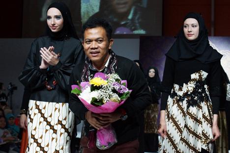 Desainer Indonesia Pamerkan Rancangan Busana Muslim di Moskow