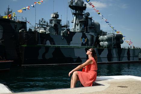 Kapal Cepat Peluncur Rudal Rusia Berlabuh di Suriah