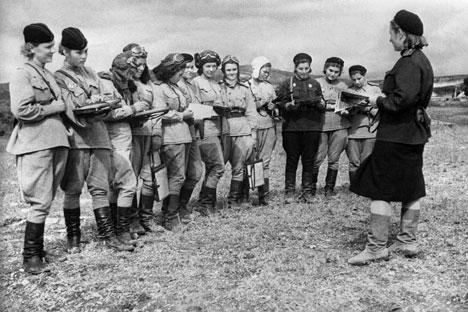Penyihir Malam, Resimen Perempuan Soviet Penakluk Perang Dunia II