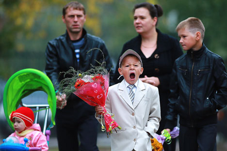 Tingkat Kebahagiaan Rendah, Haruskah Masyarakat Rusia Kembali ke Nilai-nilai Keluarga Tradisional?