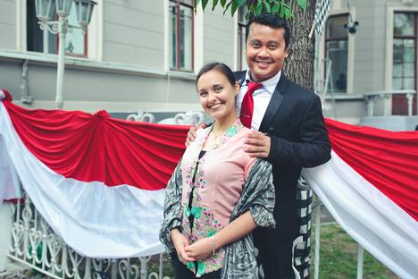 Bermula dari Kelas Vokal, Kisah Cinta Bersemi di Moskow